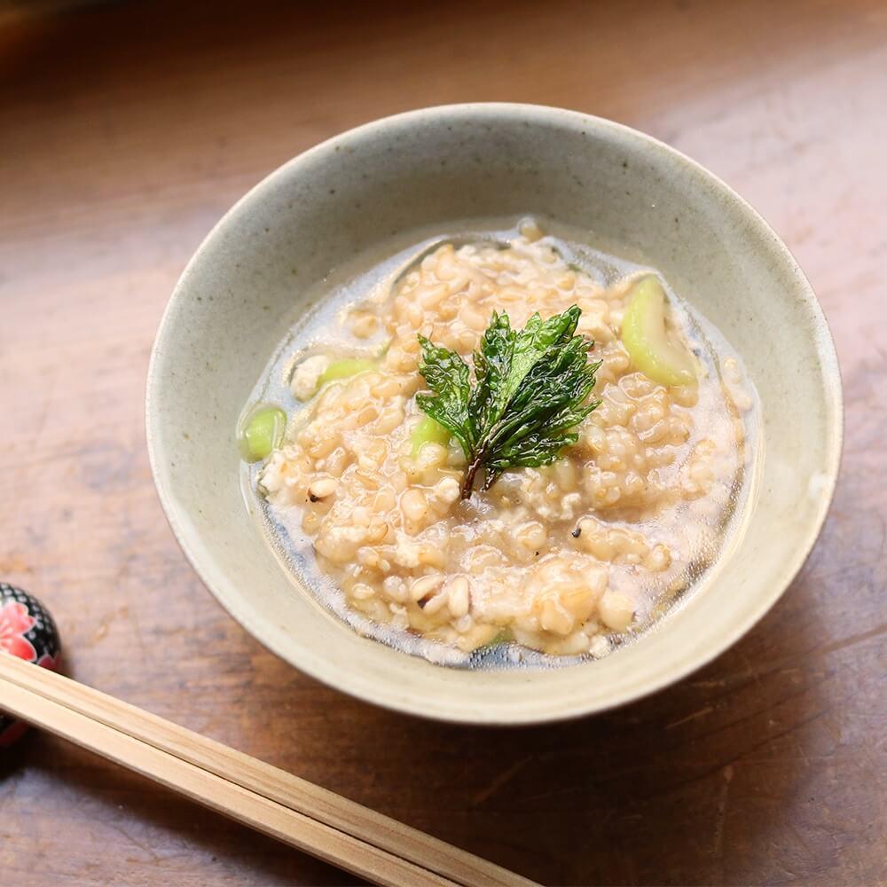 和食だけでなく中華粥にも。寝かせ玄米にも合います。