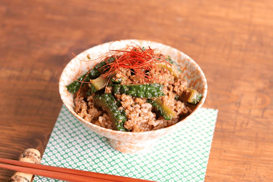 ゴーヤーの肉味噌丼のレシピ