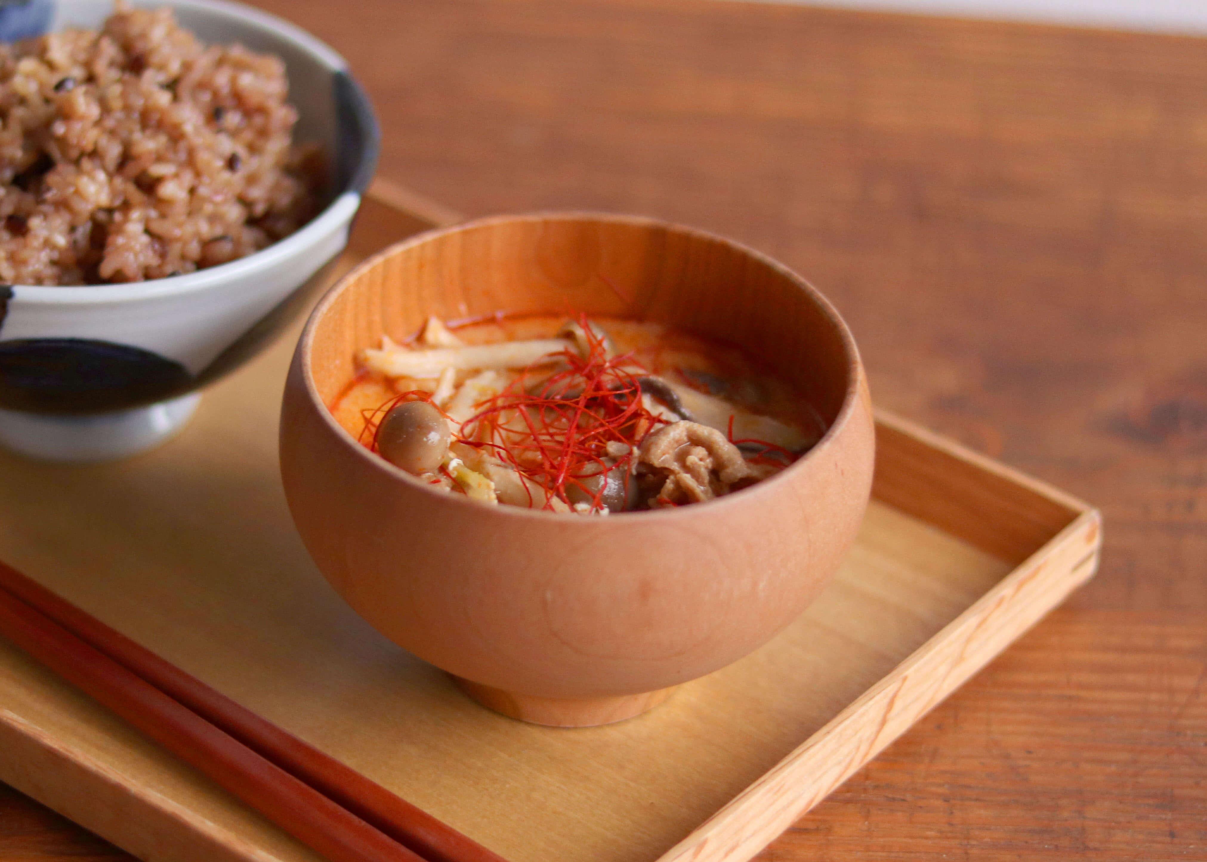 寒い日に食べたい!野菜たっぷりピリ辛坦々スープ