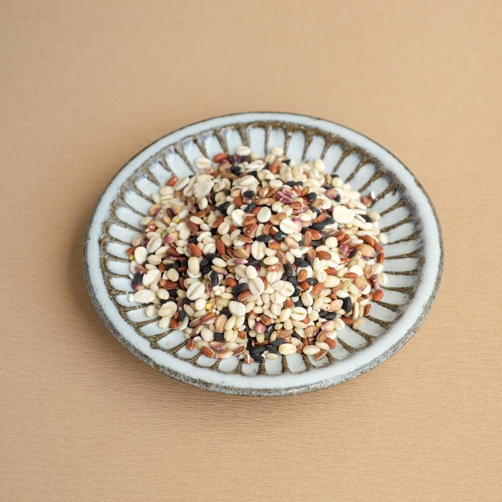 国産の十五種類の雑穀を使用しています。