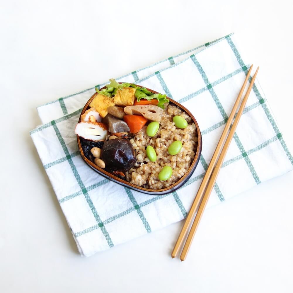 寝かせ玄米は冷めても美味しいので、お弁当やおむすびにもおすすめ。