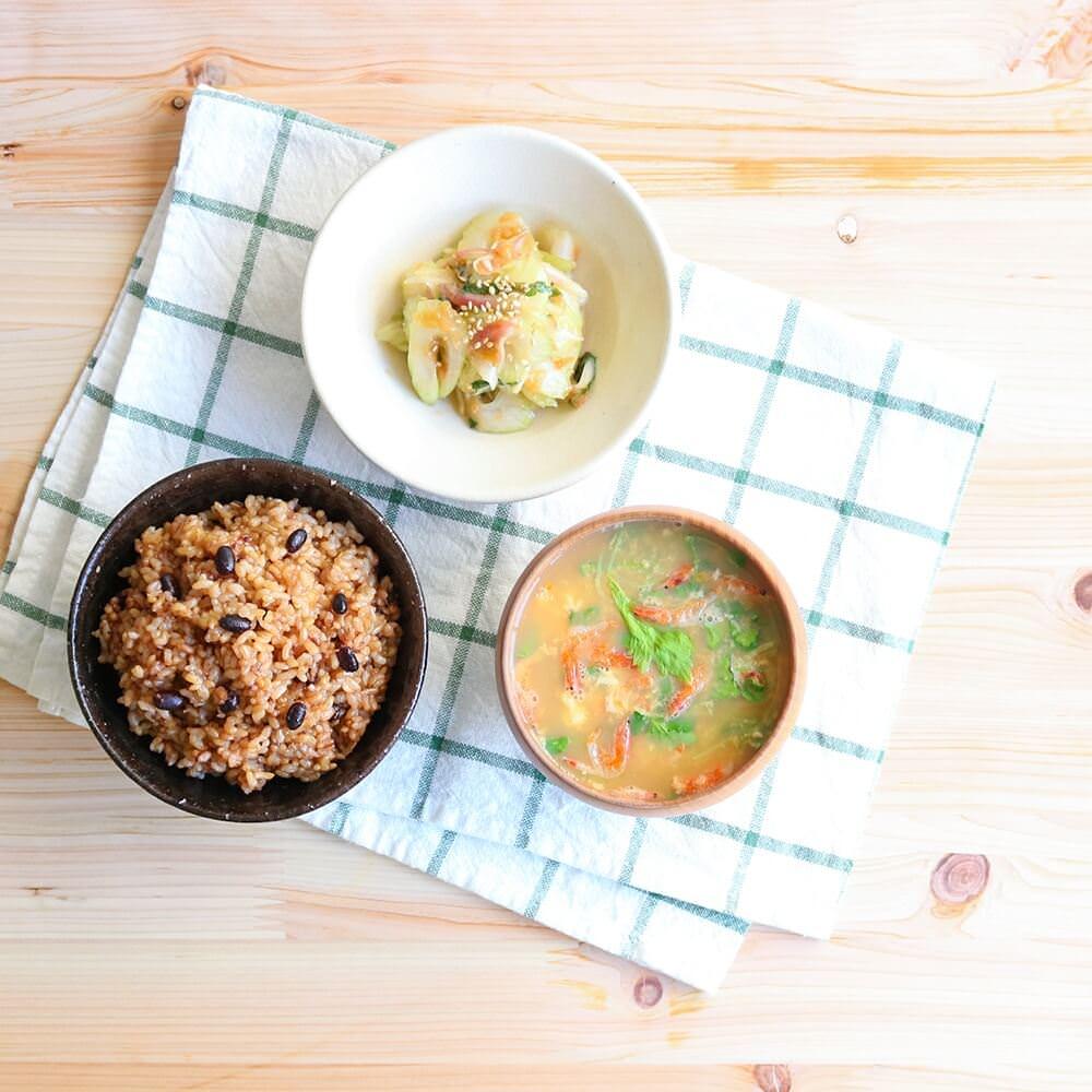 玄米は白米に比べて栄養素豊富なスーパーフード。美味しい寝かせ玄米で、気軽に玄米生活を。