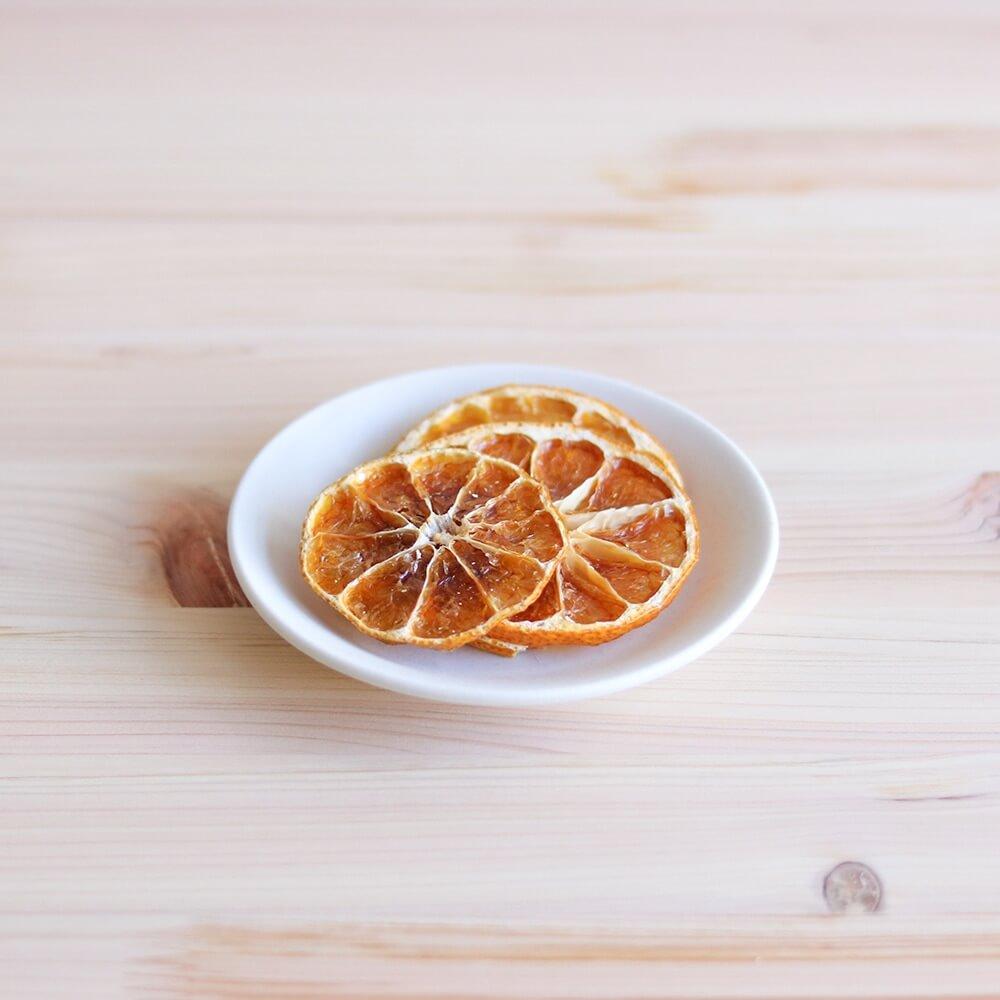 愛媛県産のみかんの甘みと、少しの苦味がたまらない「温州みかん」。