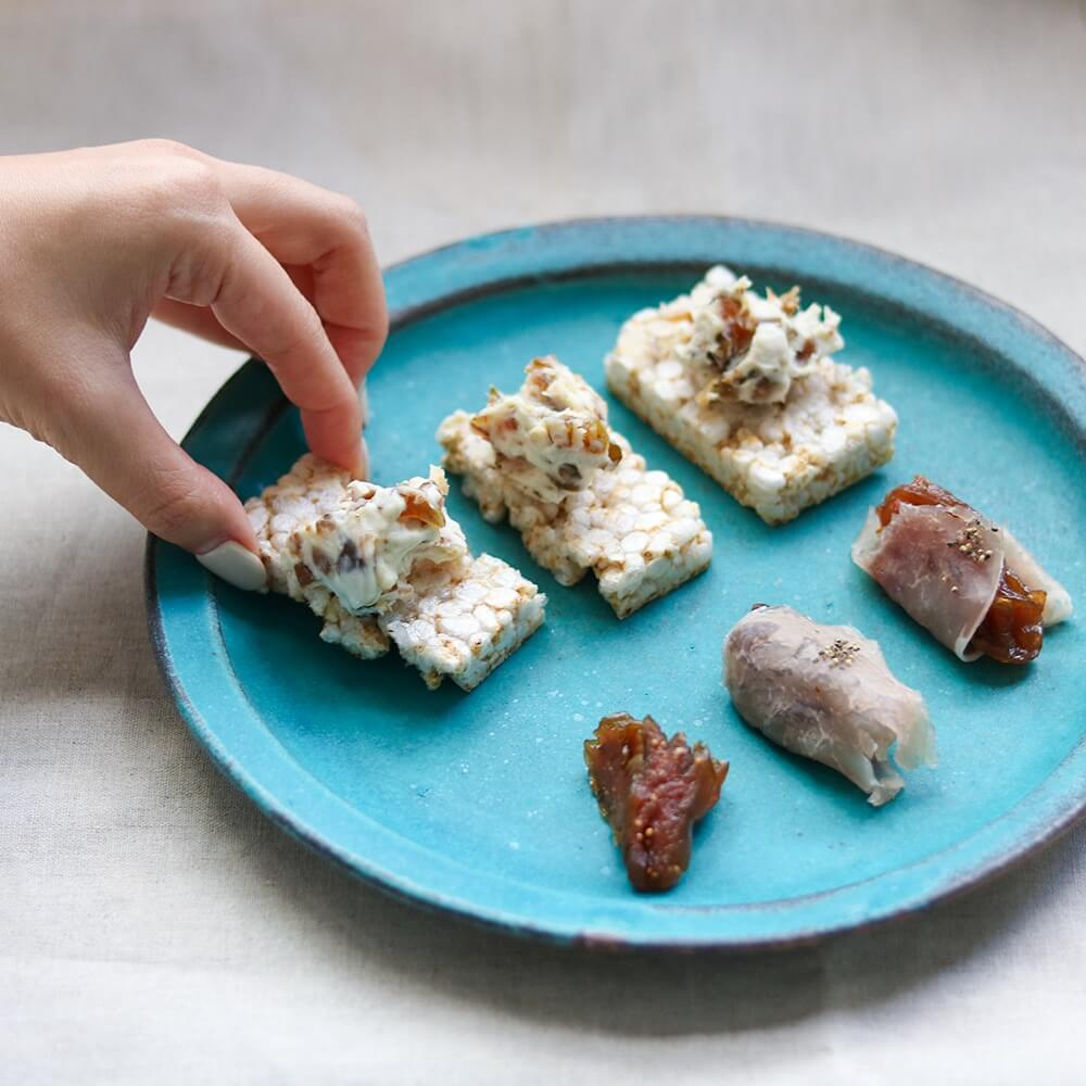 イチジクは、細かく切ってクリームチーズと混ぜ、ディップ風にしても。