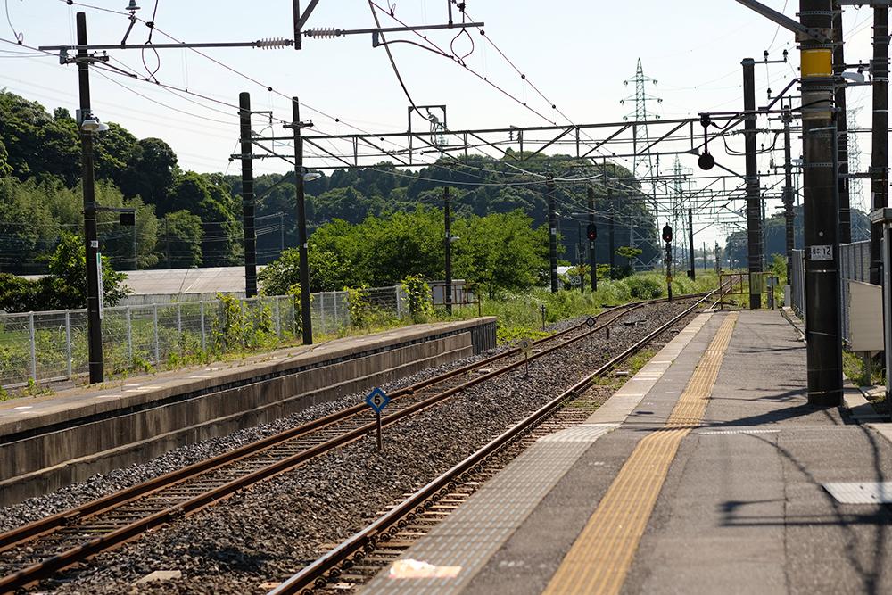 成田線の下総神崎駅。のどかな風景。
