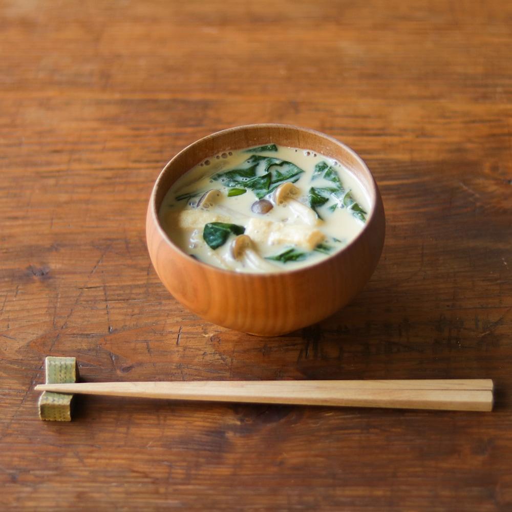 ヤマト味噌を使った、コクのある豆乳おみそ汁。